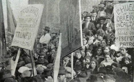 Obreras y obreros del calzado en el acto de la Federación Obrera Local el 1º de  septiembre